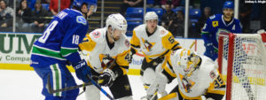 PENGUINS LOSE TO COMETS, 2-1