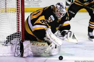 PENGUINS FALL TO THUNDERBIRDS IN SHOOTOUT, 4-3