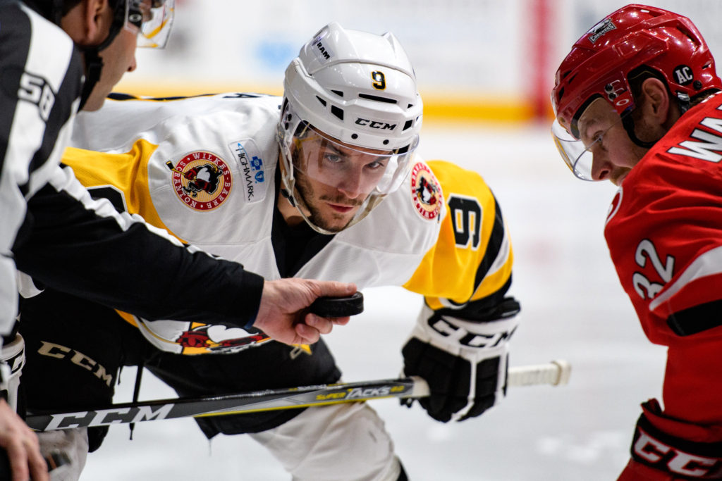 penguins-score-bunches-beat-checkers