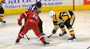 Read more about the article PENGUINS DROP OVERTIME GAME TO CHECKERS, 6-5