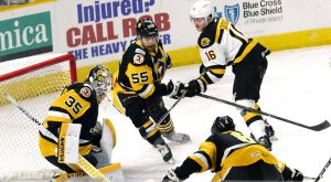 PENGUINS FALL TO P-BRUINS, 5-2