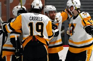 CASSELS, WARSOFSKY ERUPT IN PENGUINS' 5-4 WIN AT CHARLOTTE