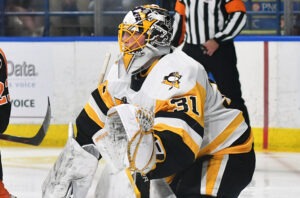 Read more about the article LINDBERG STEALS THE SHOW IN PENGUINS' HISTORIC OPENING-NIGHT WIN